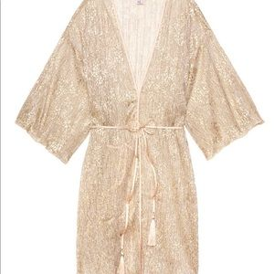 NWT VICTORIAS SECRET Shine Pleat Kimono SZ M/L ⭐️